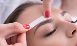 waxing service for eyebrow